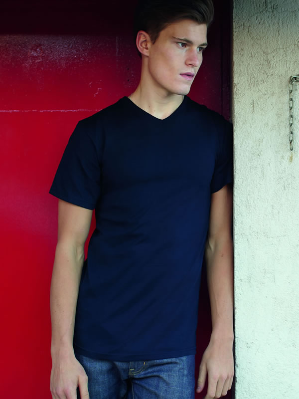 VALUE WEIGHT V-NECK TEE